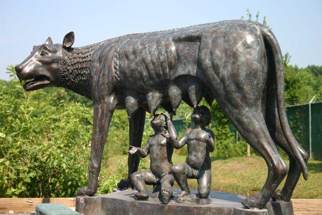 Capitoline Wolf / Romulus & Remus Large