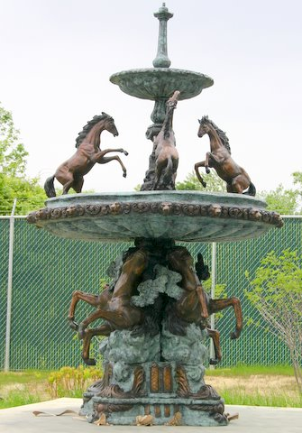 Grand Cavaillon Horse Fountain